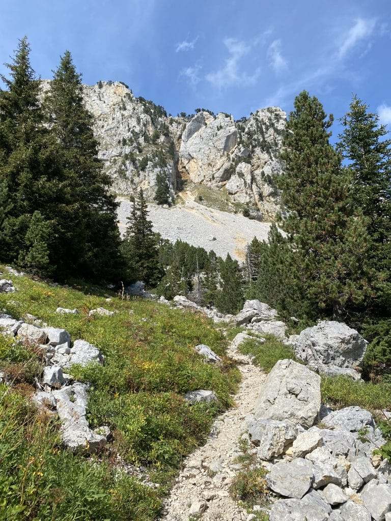 The path leading to the Hauts Plateaux of Vercors